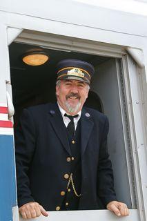 http://trainweb.org/carl/OverlandTrailWineLoversTrain/IMG_2761.jpg