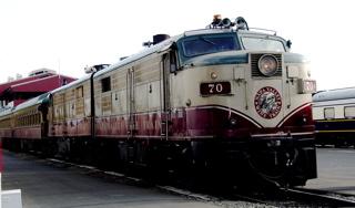 http://trainweb.org/carl/WineTrain/DSC02651.jpg