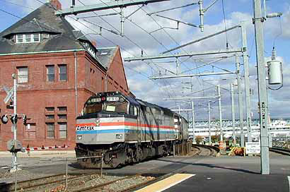 NEW LONDON, CT – An Amtrak passenger train derailed in New London, CT on Tuesday, January 18, as it was arriving at Union Station. Apparently there was only one passenger car involved in the incident. According to reports, there was no one on the train at the time.